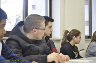 Pinardi logra el retorno al sistema escolar de jóvenes que lo abandonaron