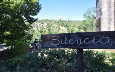 Clima de silencio en los ejercicios espirituales de Familia Salesiana en Buenafuente del Sistal
