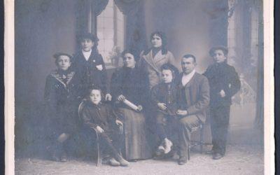 Foto con historia: Grupo familiar de salesianos